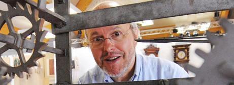 Michael Neureiter in der Werkstatt.