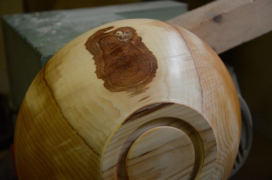 Maserung und Farbe des Holzes