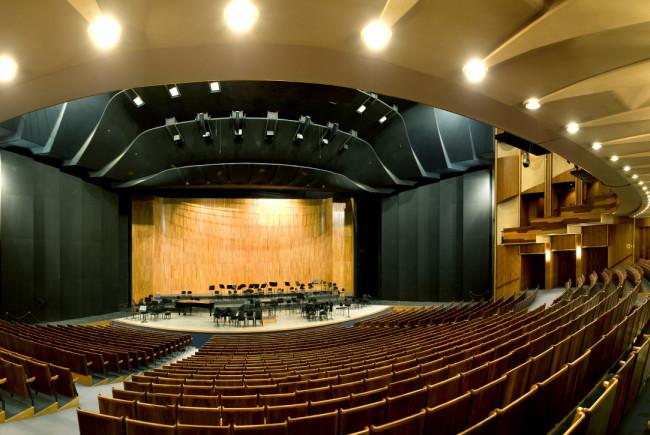 Das Große Festspielhaus in Salzburg - hier zu spielen ist einer der größten Träume der Makemakes © Luigi Caputo