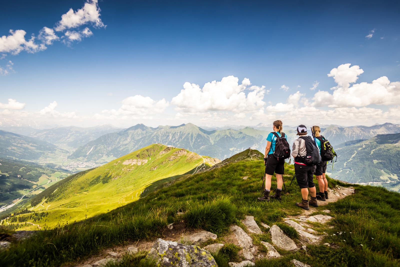 Wandergruppe am Gipfel im Gasteinertal