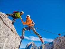 Salzburg ist ein wahres Kletterparadies. Mit dem richtigen Partner kann man sich bei schier unendlichen Möglichkeiten austoben ©Naturfreunde Salzburg