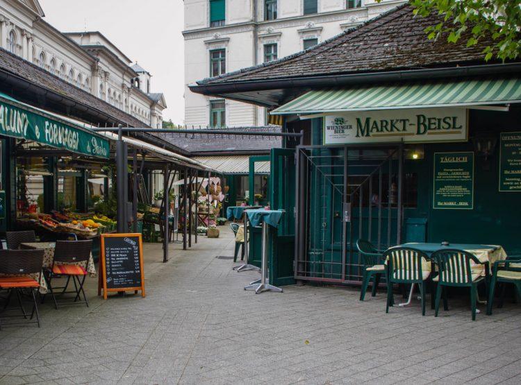 Ein eigener Mikrokosmos: der kleine Markt in der Franz-Josef-Straße