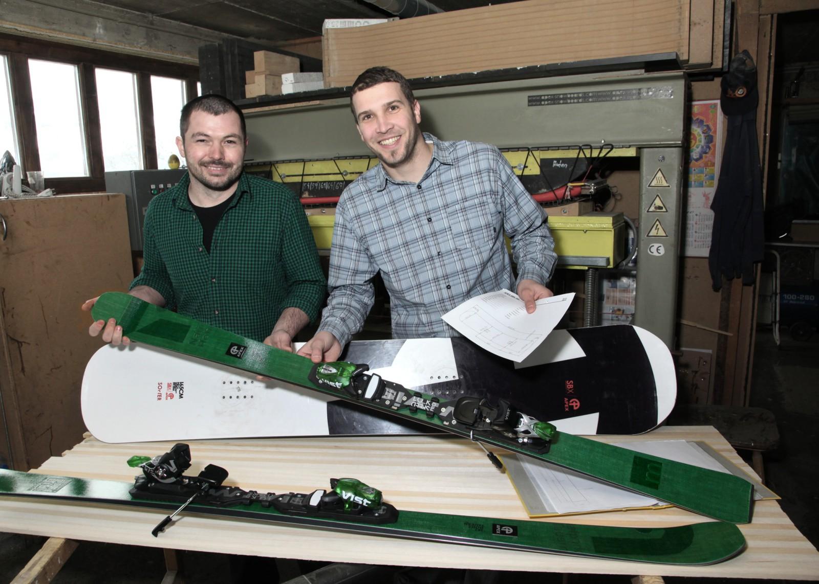 Bernd Wallner (rechts) und Hans Peter Maier(links), die Väter von Apex-Snowboards.