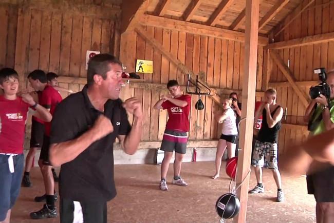 Beim Training im King5-Powerhof ©youtube