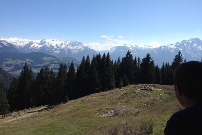 Der atemberaubende Blick auf das Tennengebirge vom King5-Powerhof  ©Peter Zeitlhofer