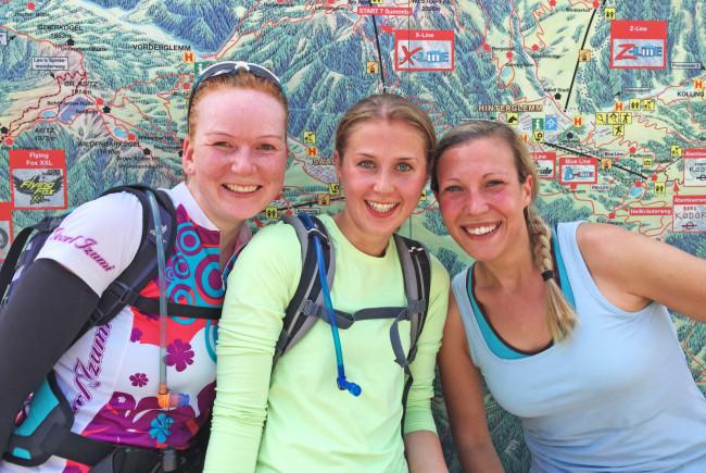 So ein Spaß, auch wenn uns das Camp einiges abverlangt. Im Bild: Jana Stimm, Sabrina Gehrke und Marion Geyer.