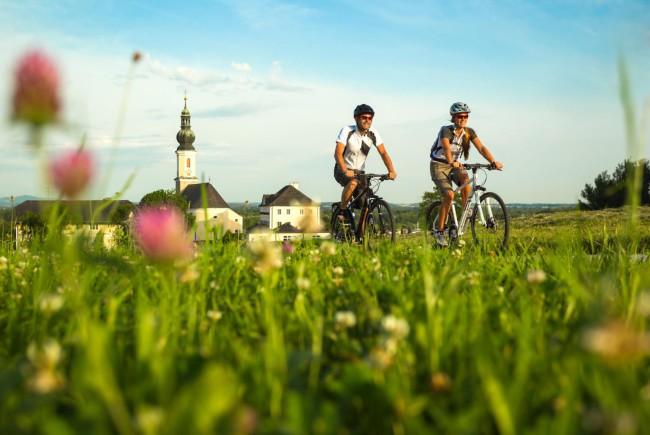 P‰rchen beim Radfahren - Tauernradweg