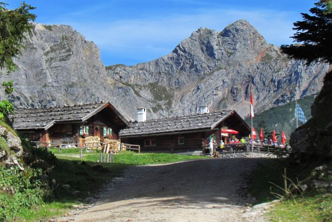 Die Kallbrunnalm in Weißbach bei Lofer - eine der größten Almen Österreichs ©TVB Salzburger Saalachtal