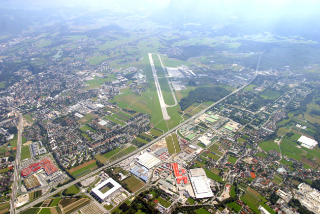 Kaum ein Flughafen ist so nahe am Stadtzentrum wie dieser.