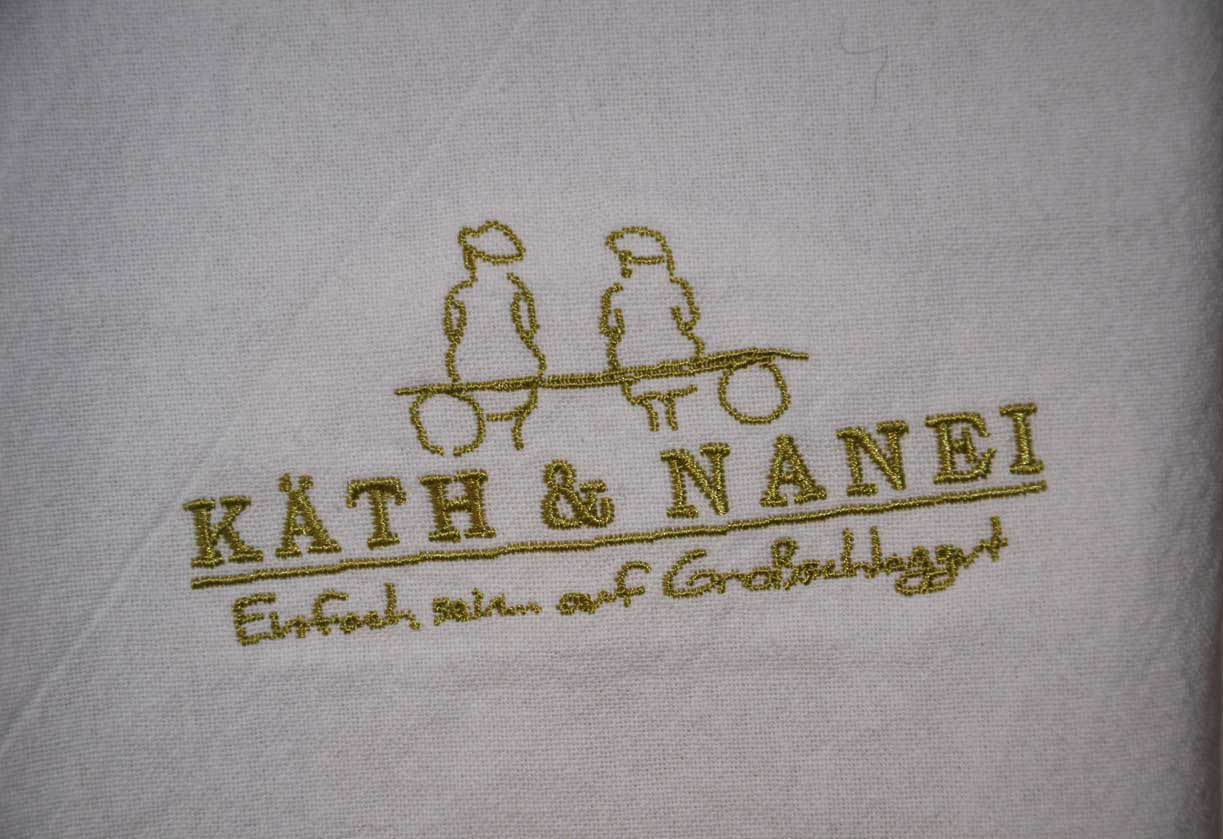 Die zwei Schwestern Käth & Nanei