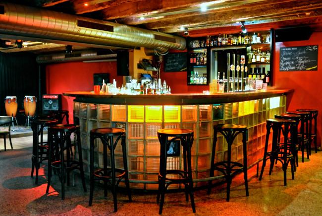 Gemütlich abhängen an der Jazzit-Bar. © Markus Lackinger
