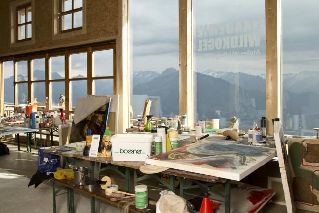 Der Ausblick in die Hohen Tauern inspiriert die Künstler.