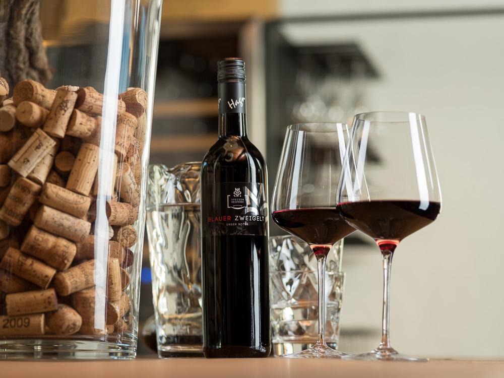 Rot- und Weißweine aus Österreich.