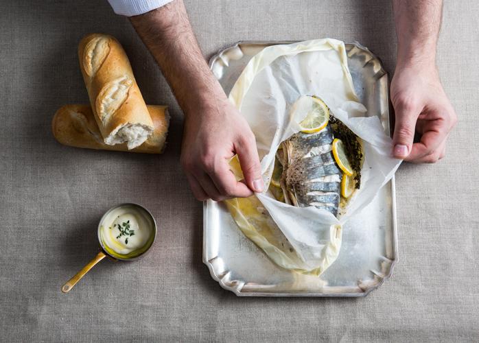 Nach dem Kochen werden die Gerichte gemeinsam verspeist. c Bazzoka Creative GmbH