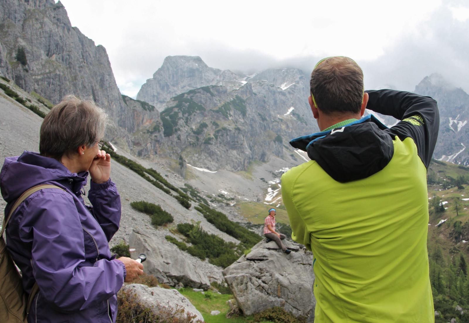 Wanderführer als Fotograph