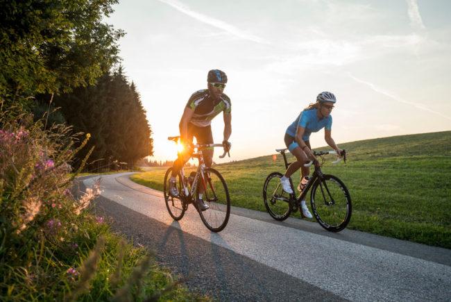 Achten Sie auf die richtige Intensität beim Training und lassen Sie es an den Tagen vor dem Radmarathon ruhiger angehen!