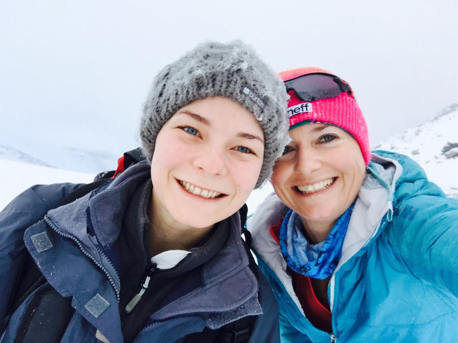 Unbezahlbar: lustige Bergkameraden - hier mit Christina Geyer, Redakteurin beim Magazin Bergwelten.