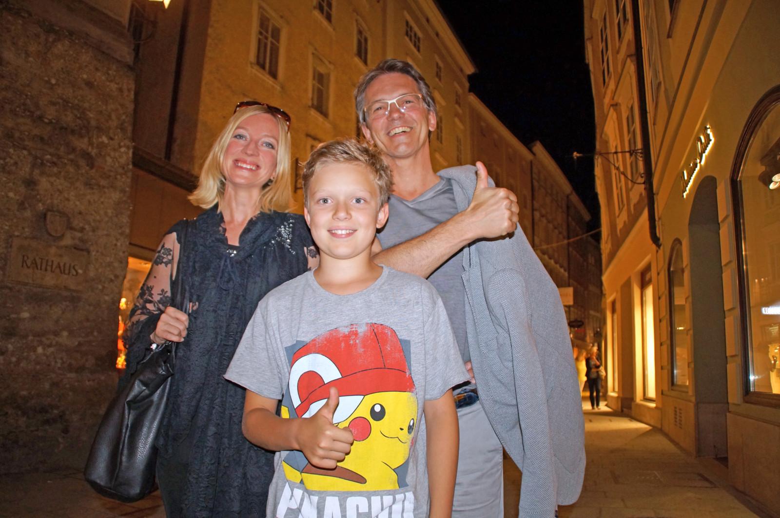 Matteo und sein Vater Wolfgang Gassner waren von Sabine Raths Führung begeistert.