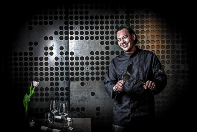 Starkoch Max Aichinger hat sich im 'Stratmann' den Traum vom eigenen Restaurant nach den ganz persönlichen Vorstellungen erfüllt.