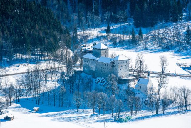 winter-flugaufnahme-burg-kaprun-1