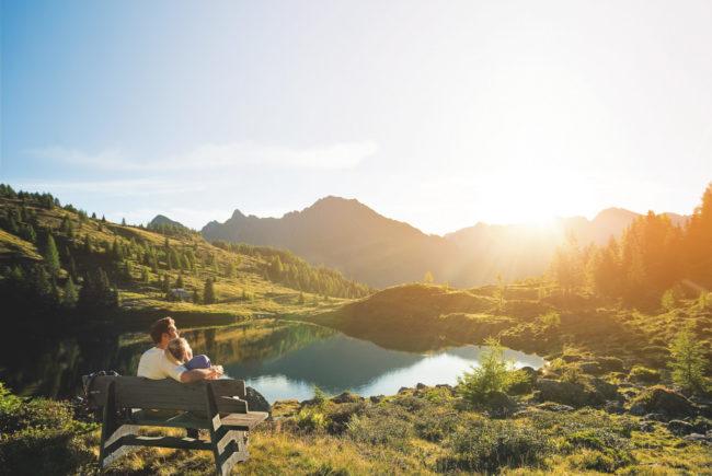 Die Stille eines Bergsees genießen. c SalzburgerLand Tourismus