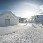 Direkt neben den weiten Gletscherhängen beim ICE CAMP am Kitzsteinhorn abschwingen.