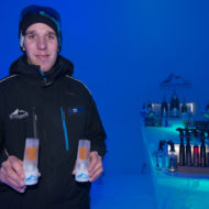Walter Gaube ist Barman am Ice Camp.