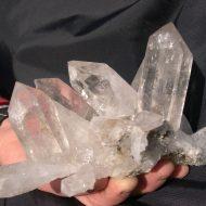 Franz Millgramer durfte sich über den Fund dieser wunderbaren Bergkristallgruppe im Habachtal freuen.