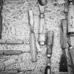 Hammer , Meißel und Sägespäne - die Zutaten des Holzsymposiums.