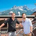 Auf der Dachterrasse: Harald Salzmann (li.) und Lukas Ziesel.