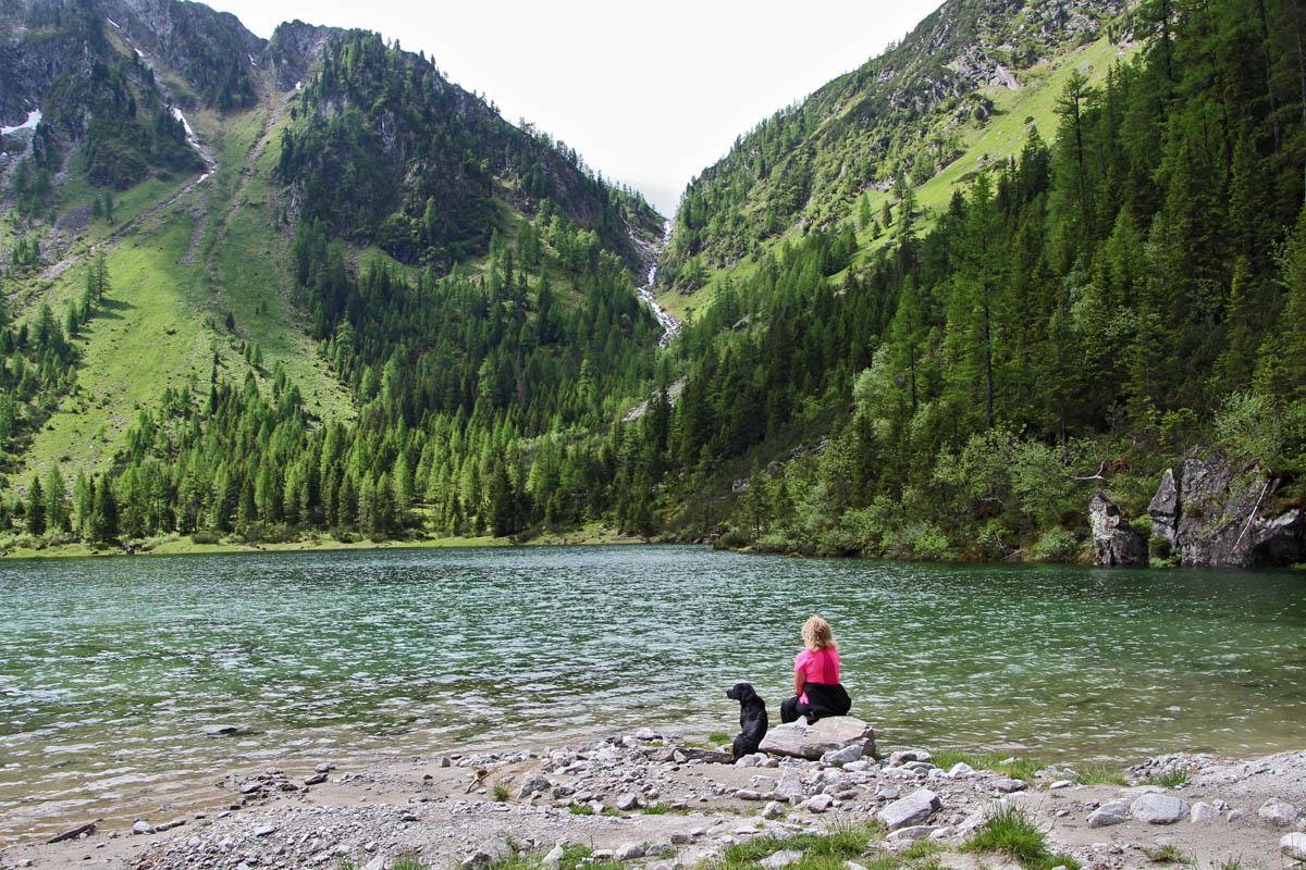 Das Schödertal ist von mehreren Berggipfeln umgeben, vor allem der mächtige Keeskogel beeindruckt mit seinem Gletscher.