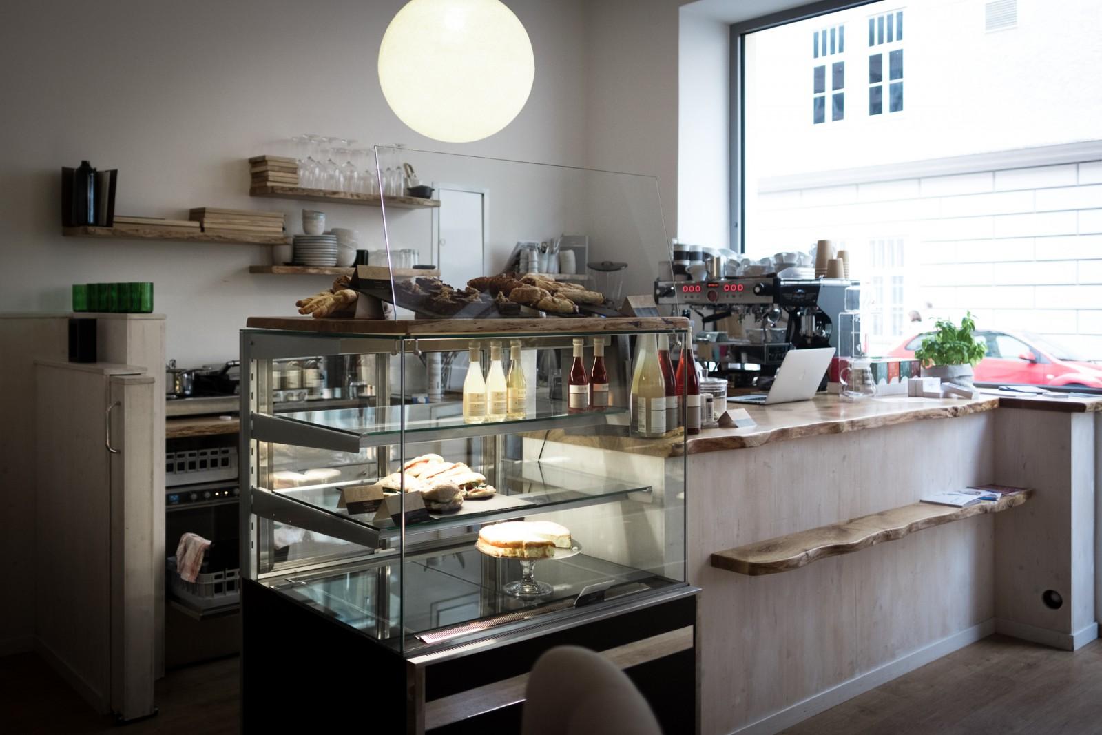 Selbstgemachte Köstlichkeiten, Bio-Kaffee...
