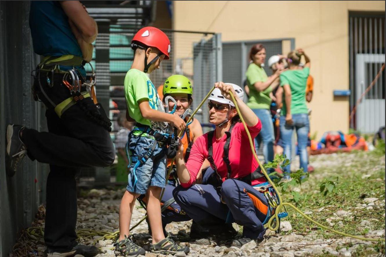 Bergretterinnen sind zumeist vielfach engagiert.