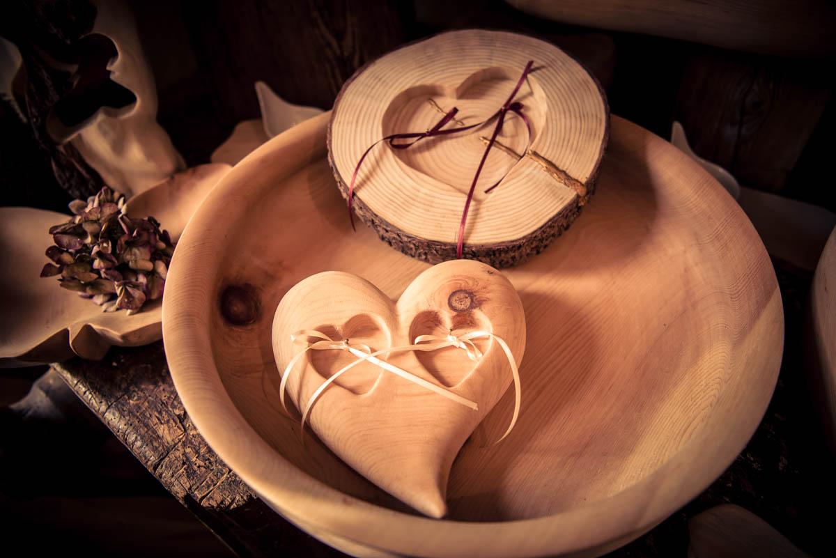 Für Ja-Sager - Ring-Kissen aus Holz.