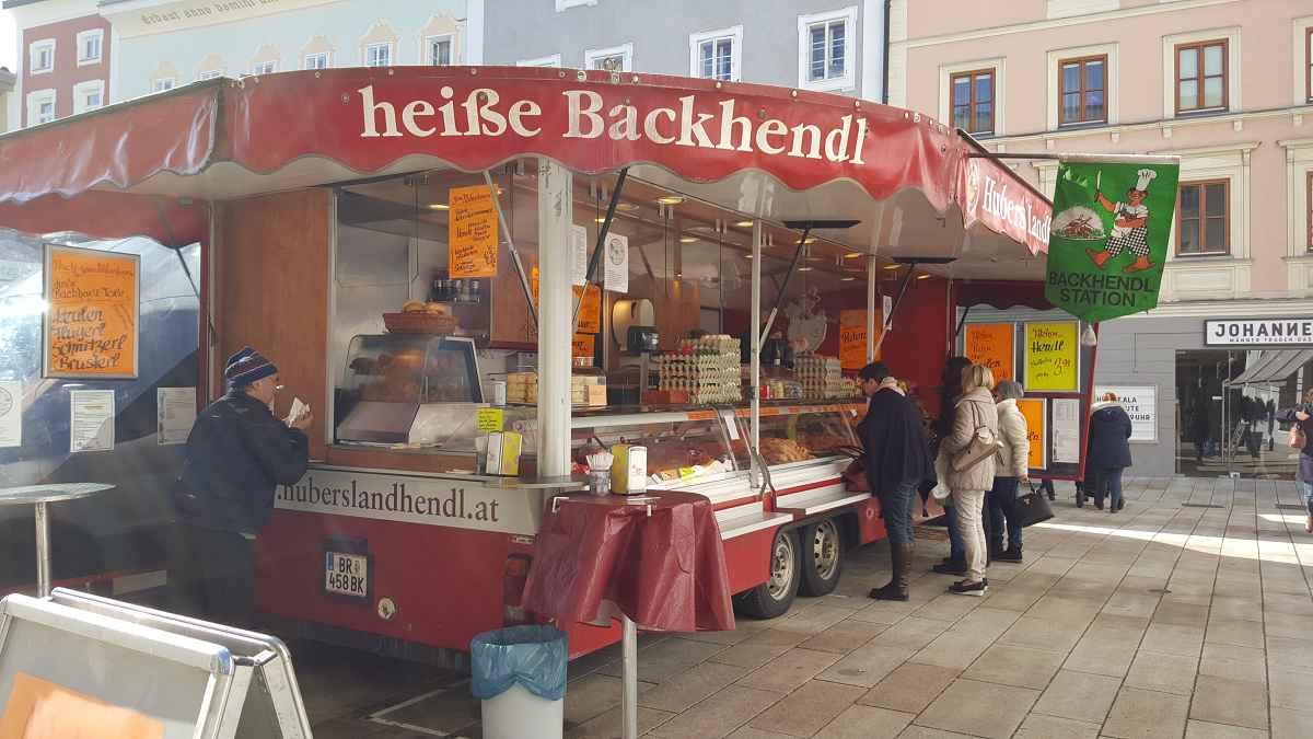 Huber's Landhendl gibt#s auch frisch gebacken