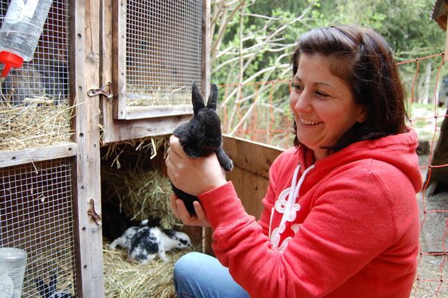 Sabrina mit Kaninchen