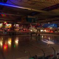Lichtstimmung in der Eishalle