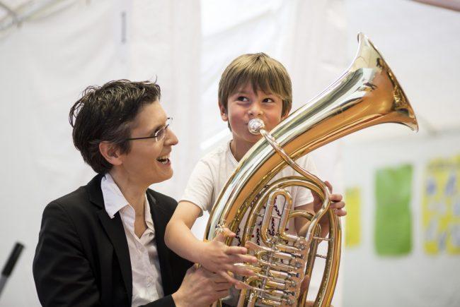 Elisabeth Fuch mit Gustav bei den Kinderfestspielen 2016