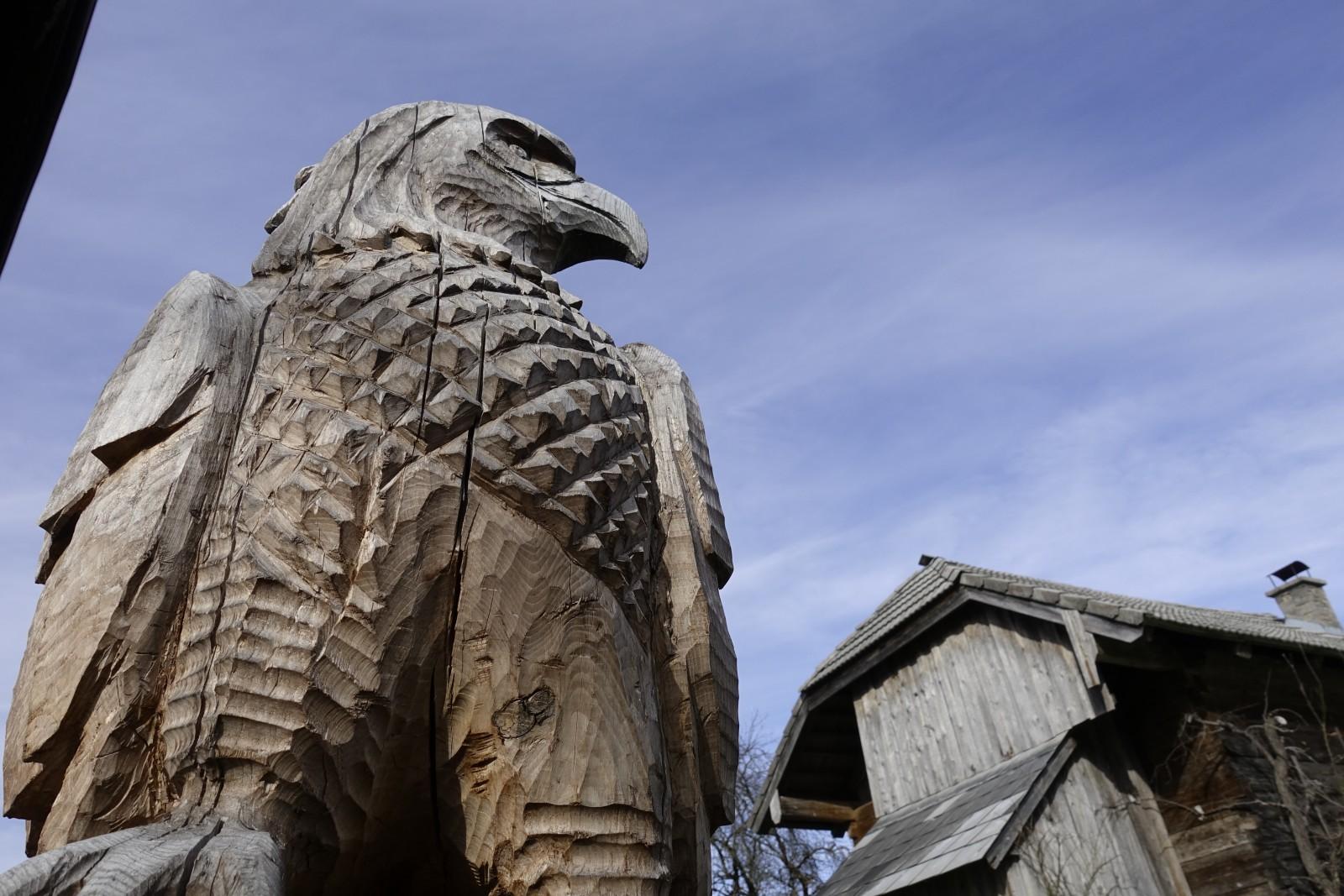 wacht über Haus und Hof: Adler