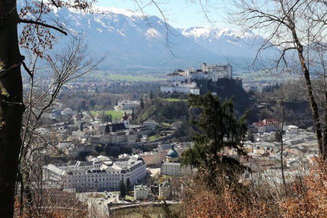 Kapuzinerberg_Blick auf Festung von Basteiweg