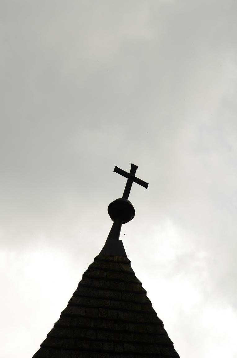 Kreuz auf der Kirchturmspitze