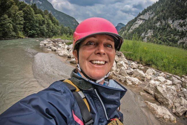 Helm, Schwimmweste, Neoprenanzug - so lautet der Dresscode fürs Weißwasser. c Edith Danzer