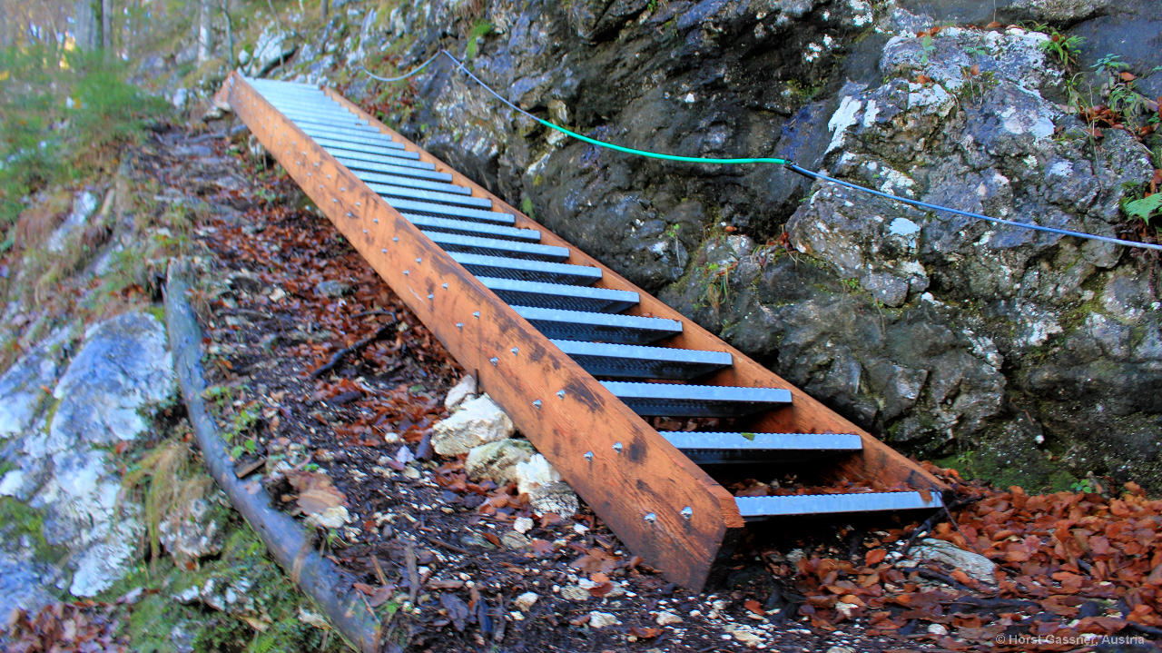 Treppe auf dem Weg zum Gipfel