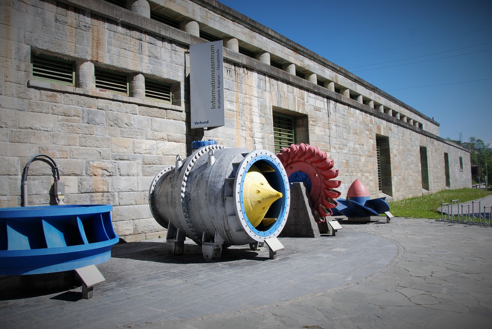 VERBUND Kraftwerk-Infozentrum am Klamm-Eingang
