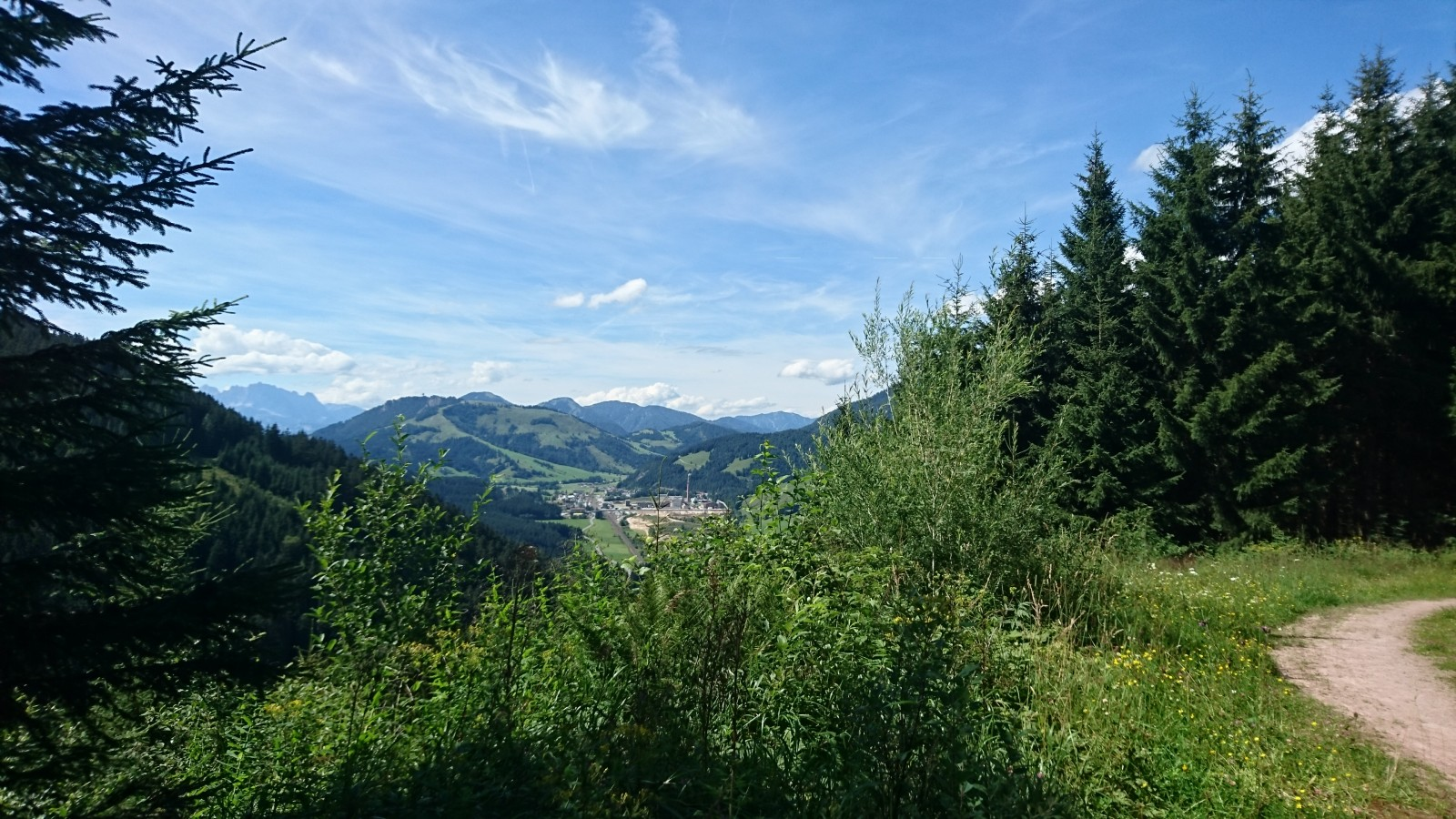 Blick über die Landesgrenze Richtung Tirol