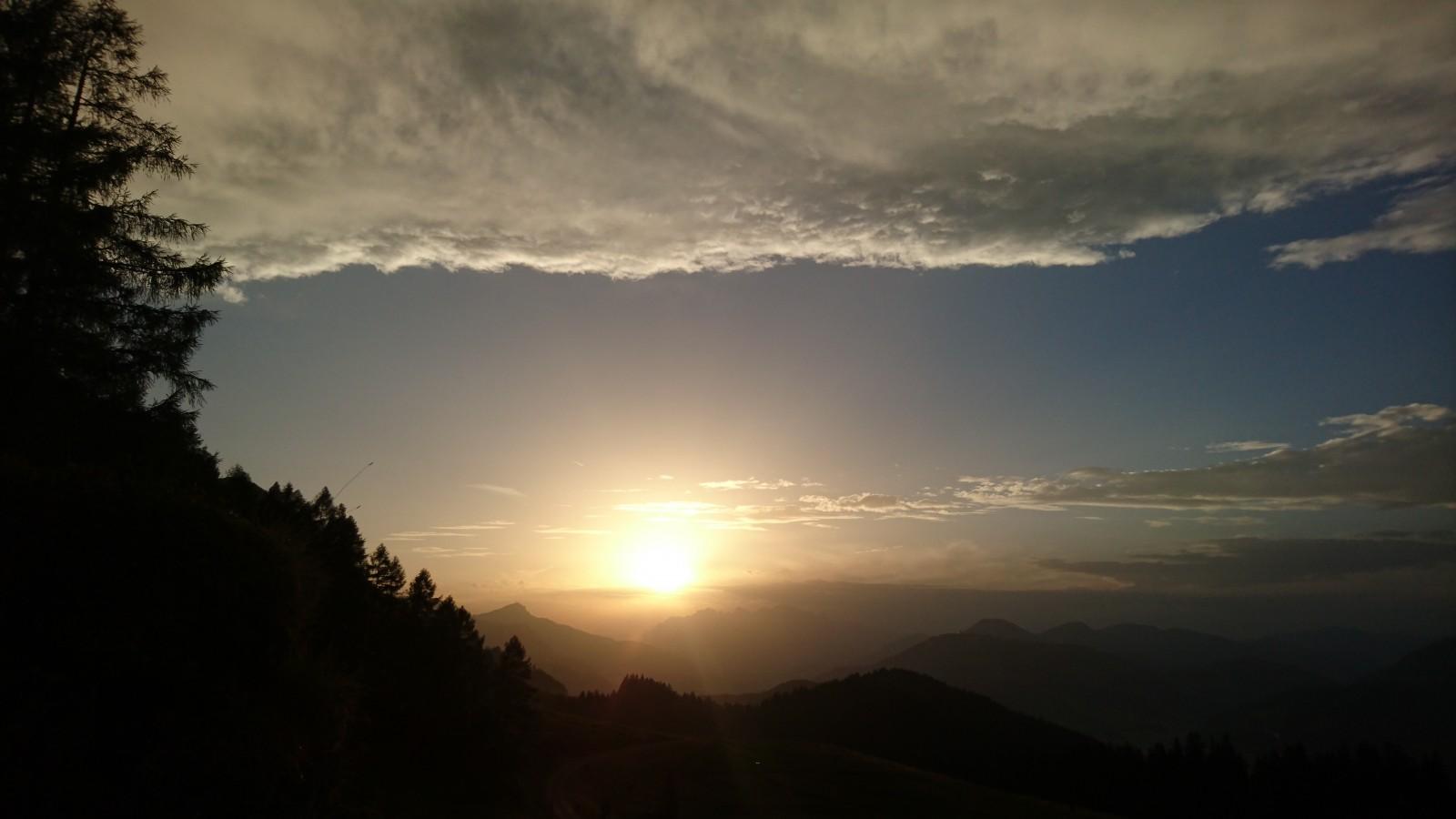 Sonnenuntergang auf den Grießener Almen
