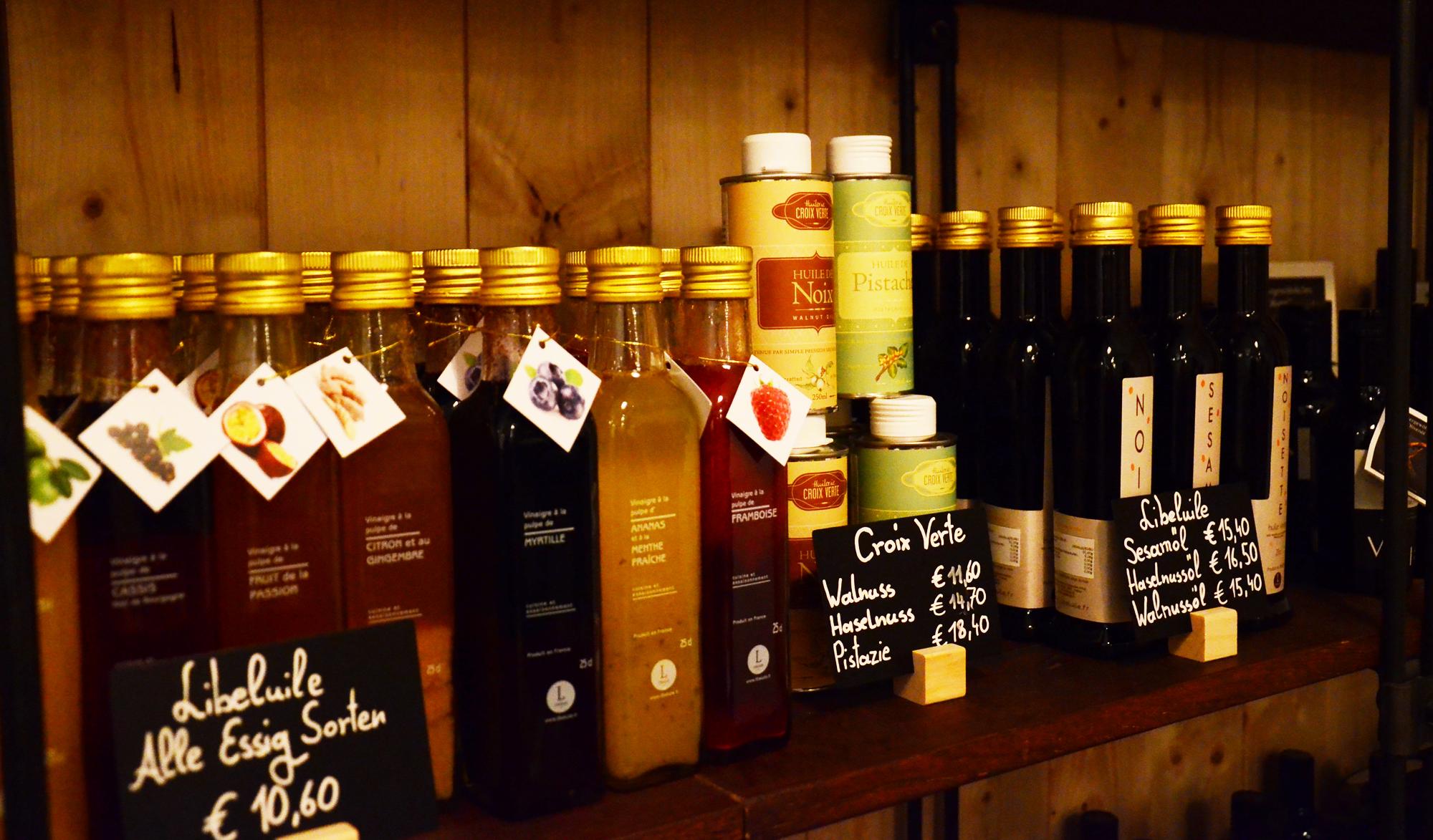 Feine Auswahl an Essigen und Ölen