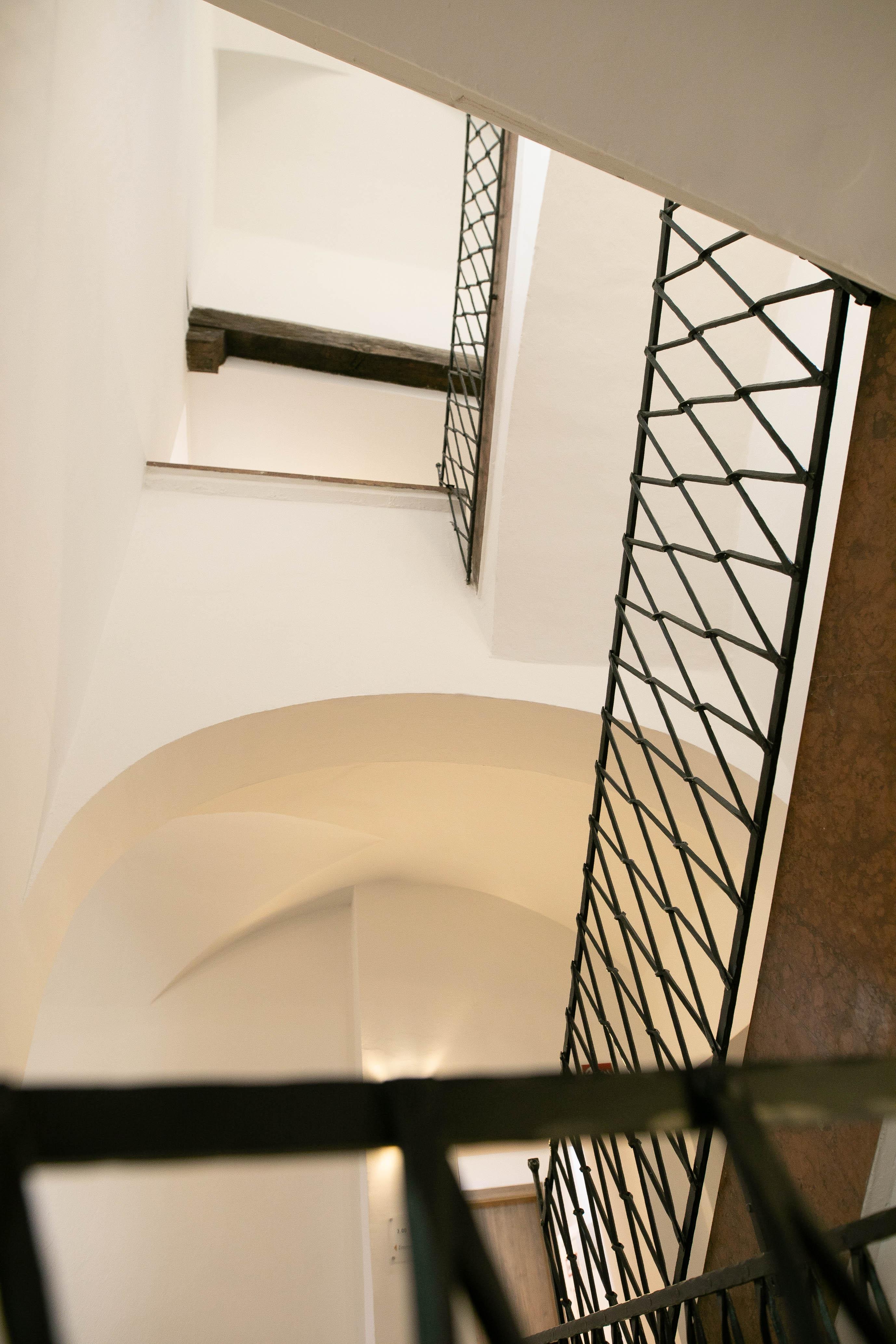 Neu renoviertes Stiegenhaus. Hotel Elefant the family Business, Getreidegasse 1, Salzburg, ©www.wildbild.at
