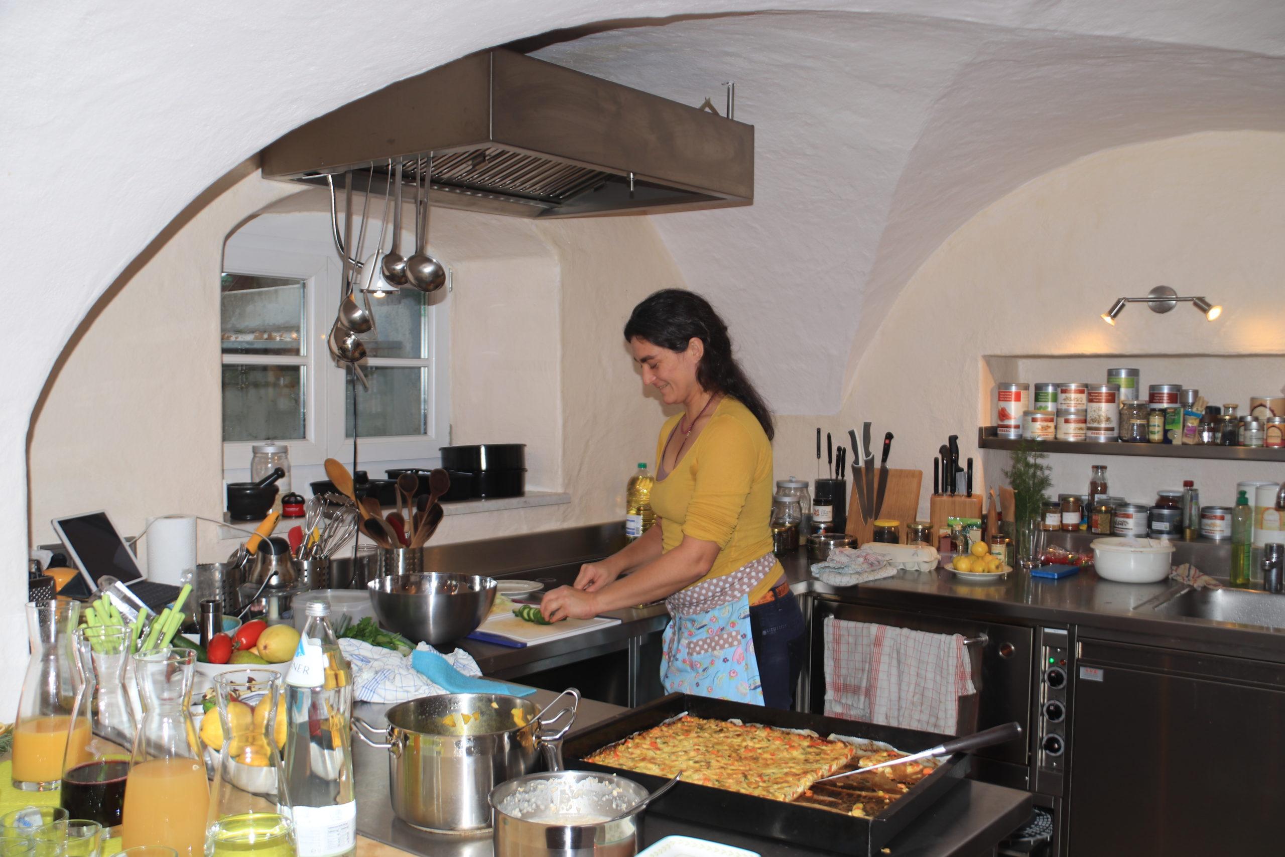 © Martina Egger - Sara Sellier kocht immer frisch und bunt im Cafe-Restaurant Tauglerei in St. Koloman/Tennengau