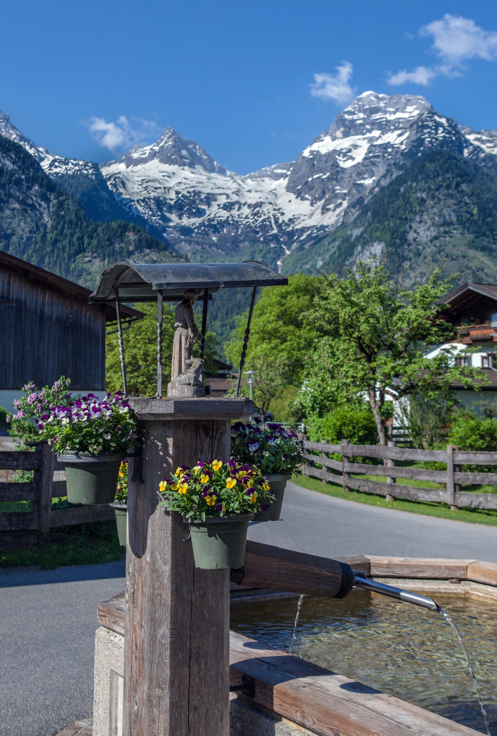 Der schöne Dorfbrunnen von Scheffsnoth